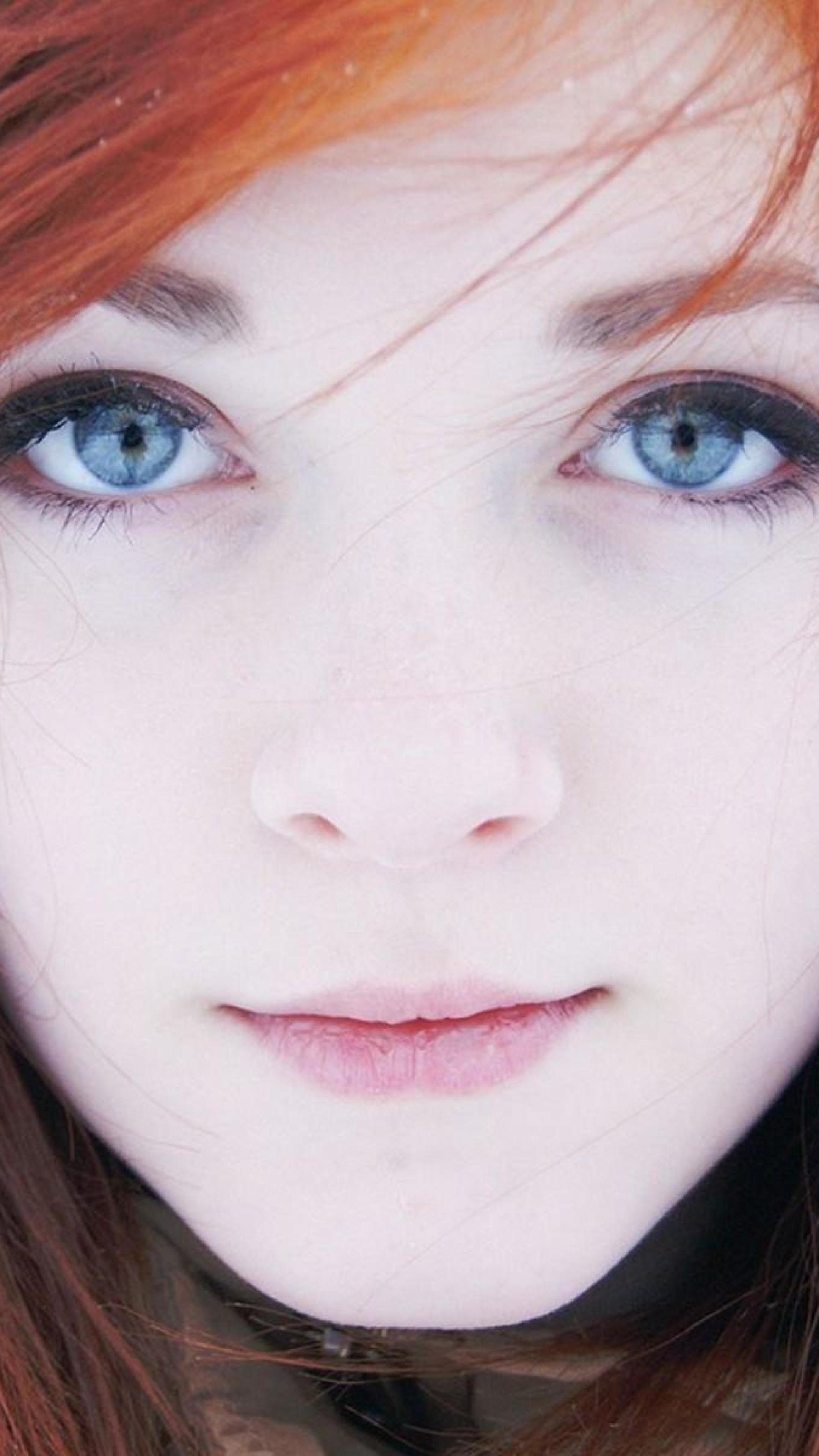 2160x3840 Blonde Girl Cat Eyes Depth Of Field Sony Xperia