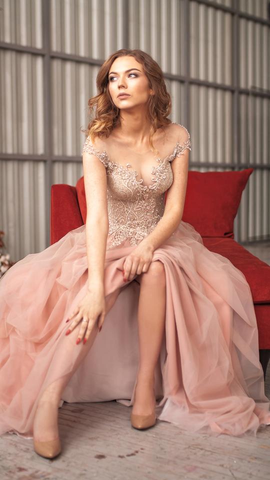 beautiful-bride-dress-4k-pz.jpg