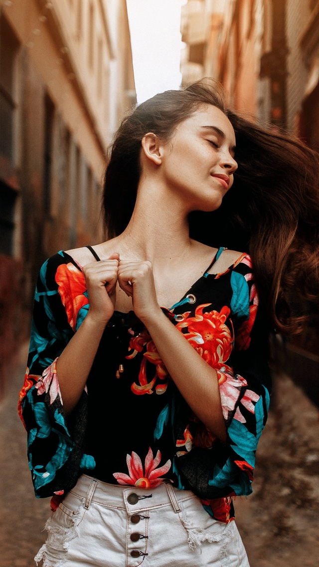 beautiful-girl-happy-and-smiling-rt.jpg