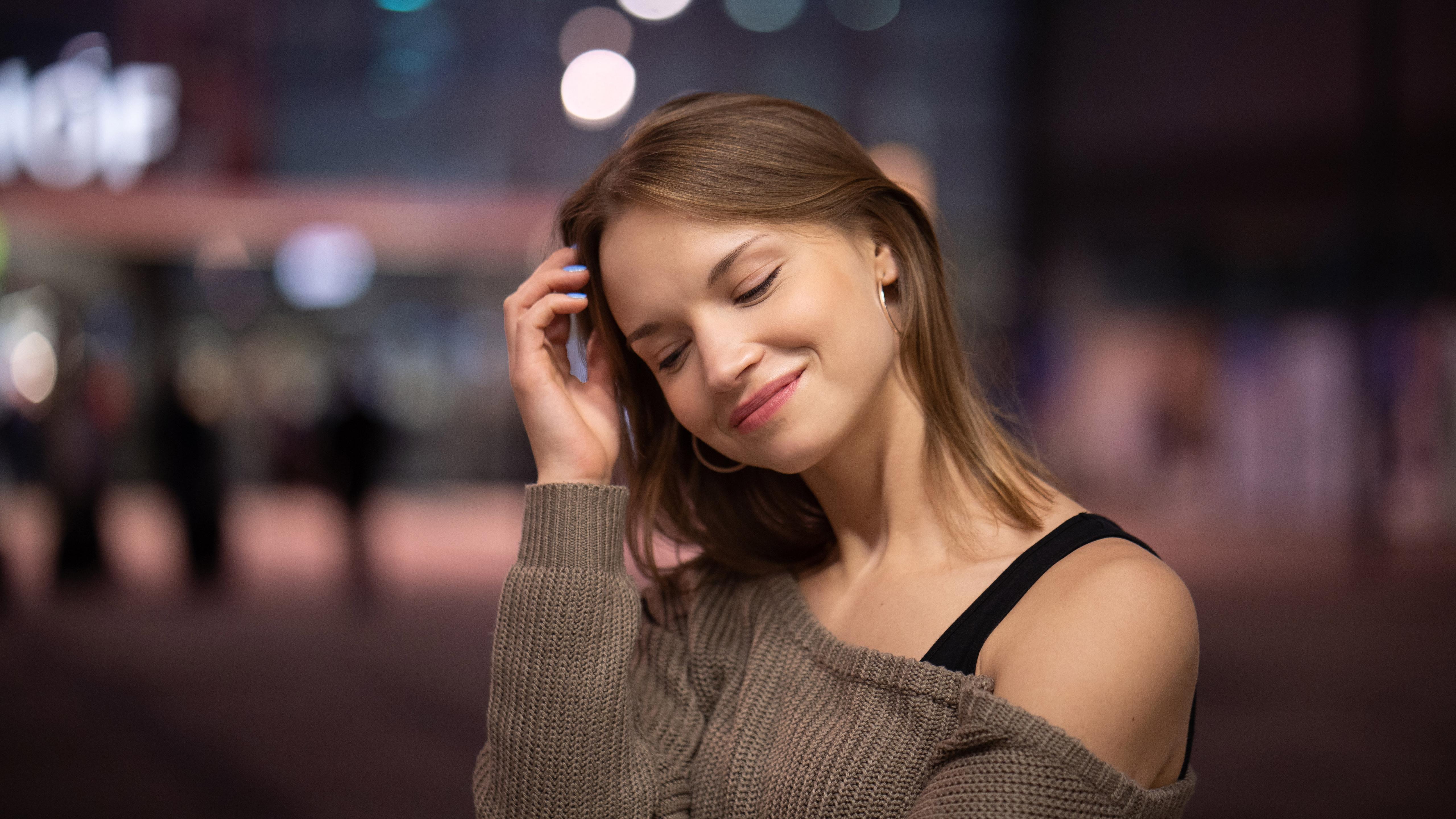 beautiful-girl-smiling-5k-sh.jpg