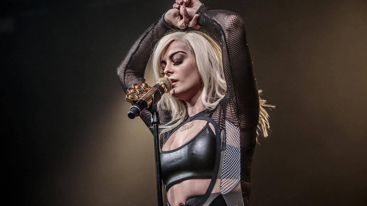 bebe-rexha-live-performace-ij.jpg