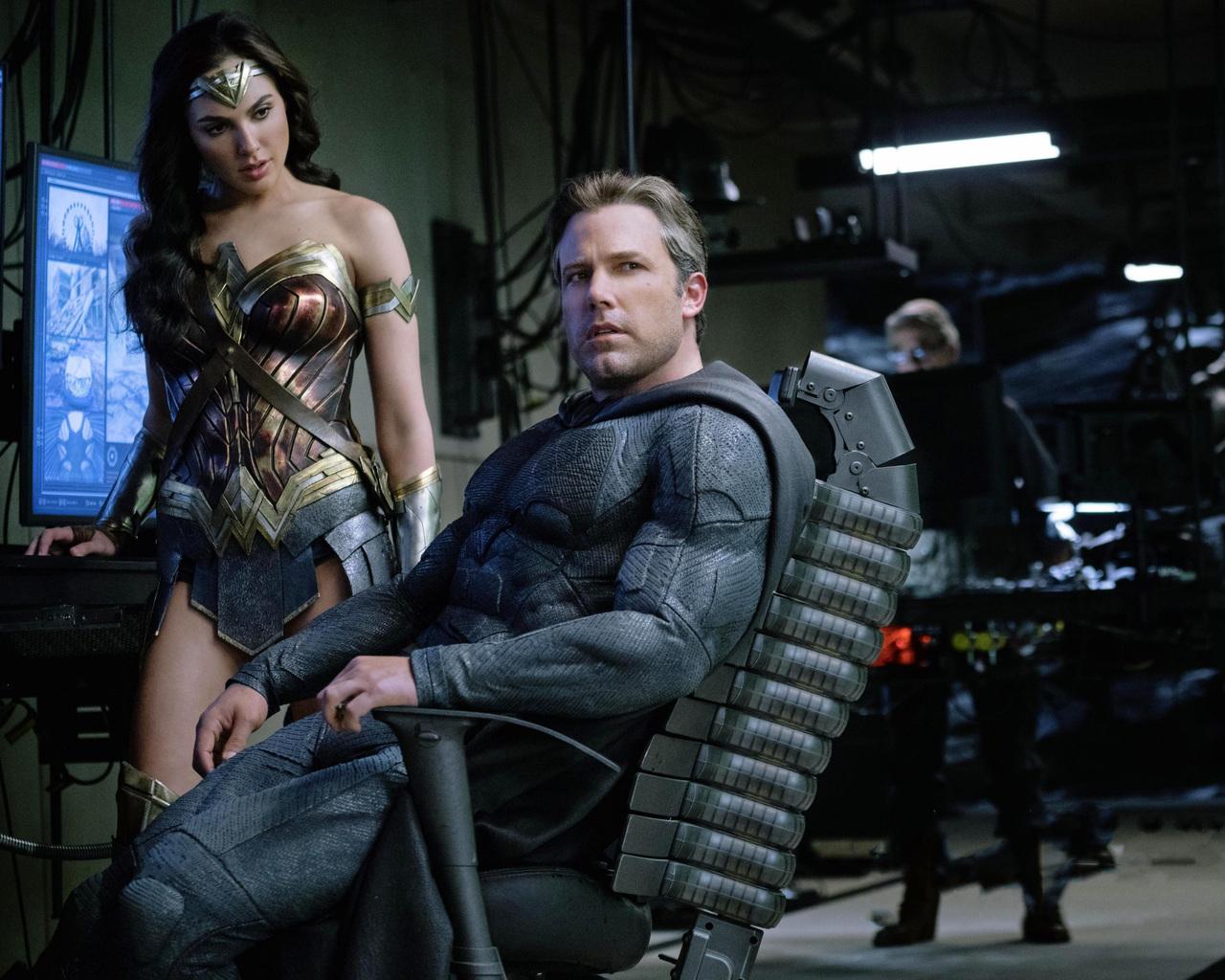 1280x1024 Wonder Woman Movie 1280x1024 Resolution Hd 4k: 1280x1024 Ben Affleck As Batman Gal Gadot Wonder Woman