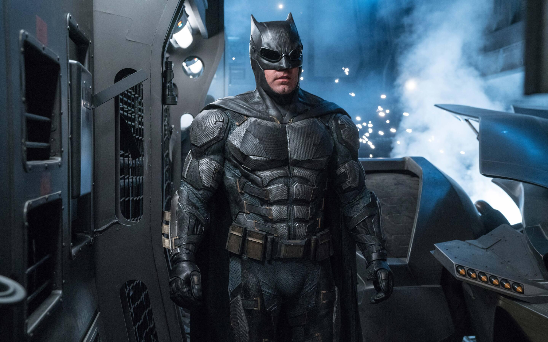Fantastic Wallpaper Macbook Superhero - ben-affleck-as-batman-in-justice-league-8k-zs-2880x1800  Perfect Image Reference_97139.jpg