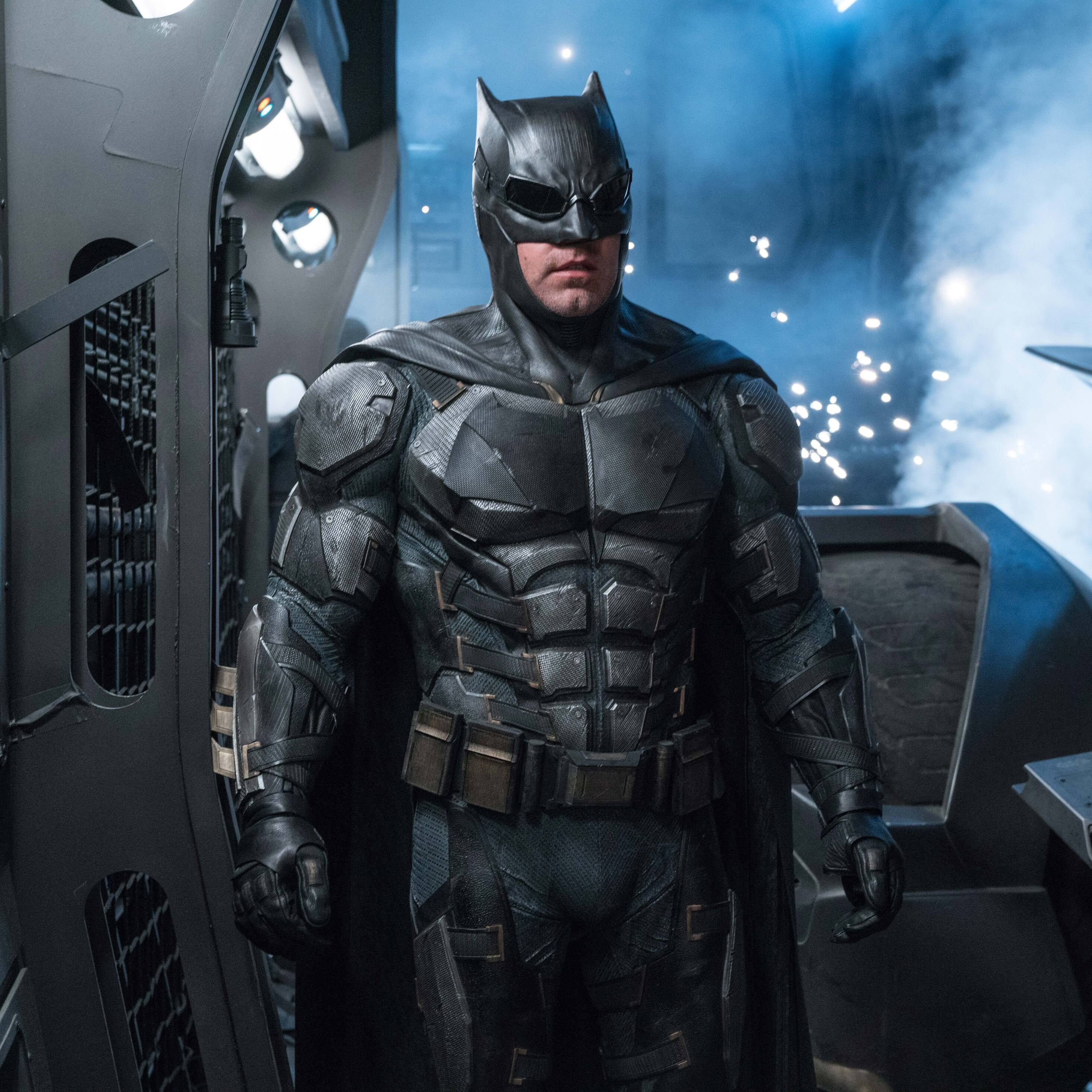 2932x2932 ben affleck as batman in justice league 8k ipad - Ben affleck batman wallpaper ...