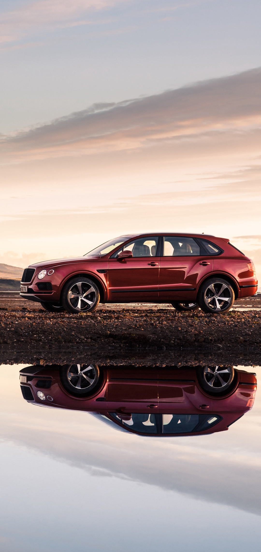 bentley-bentayga-v8-side-view-2018-wz.jpg