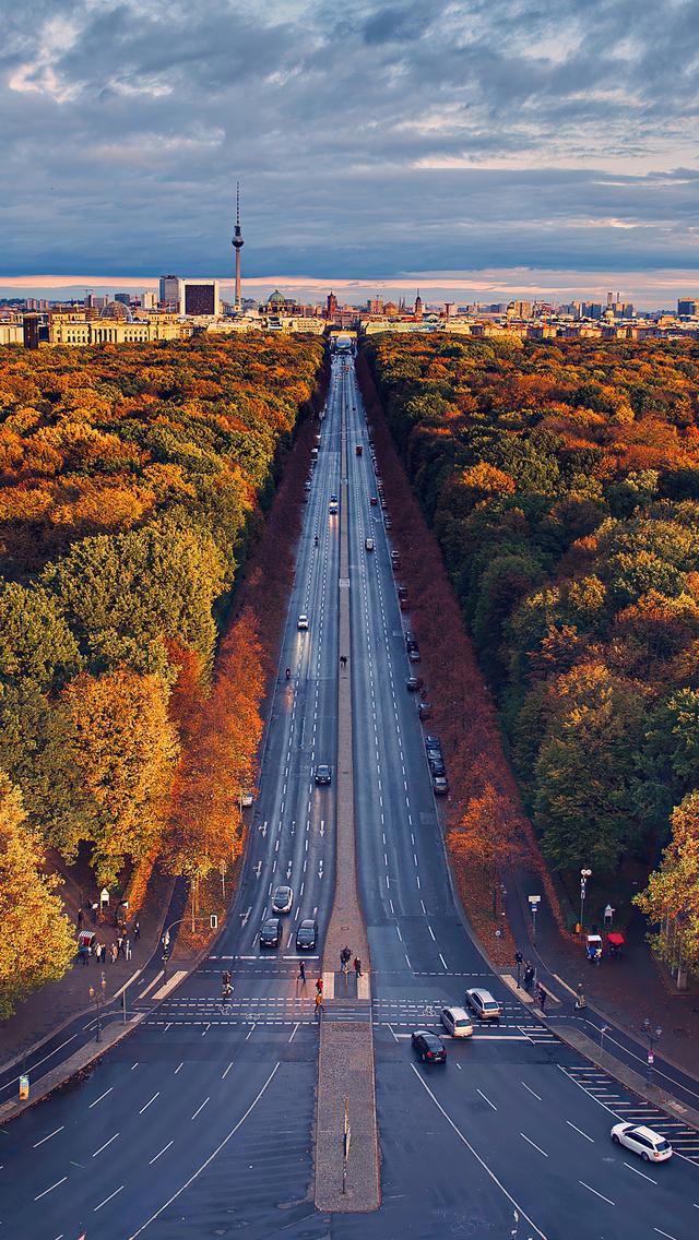 berlin-houses-roads-trees-di.jpg