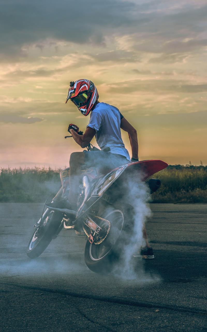 biker-donut-4k-si.jpg