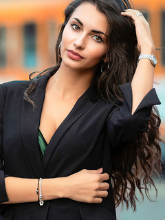 black-hair-model-long-hair-4k-n4.jpg
