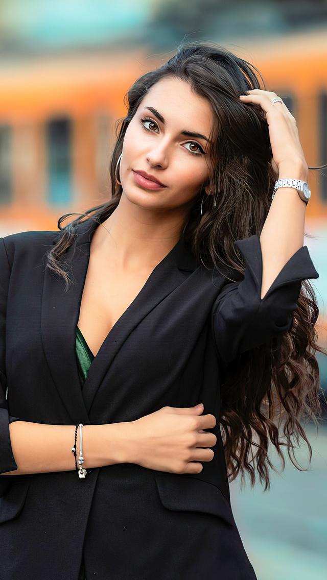 black-hair-model-long-hair-4k-n4.jpg