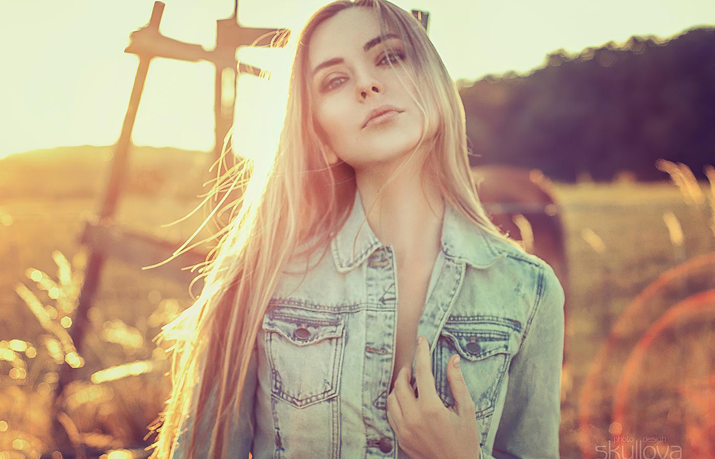 blonde-country-girl-py.jpg