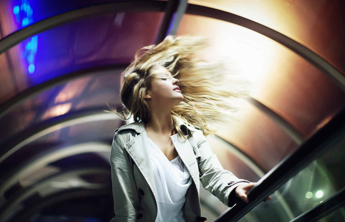 blonde-wind.jpg