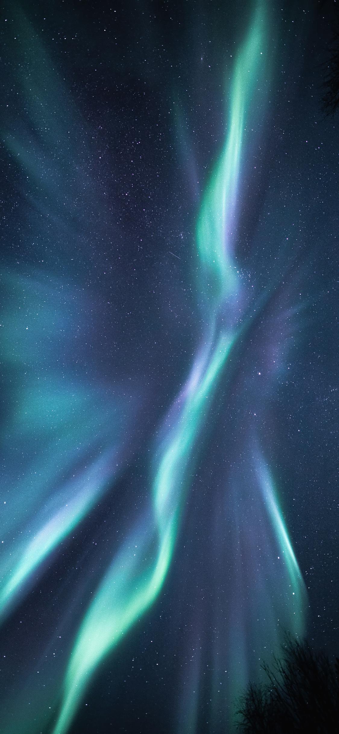 blue-and-white-lights-of-sky-5k-gl.jpg