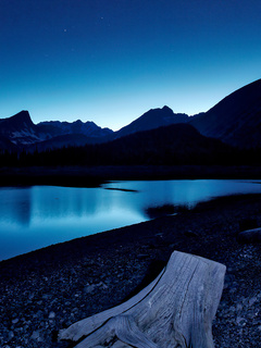 blue-hour-kananaskis-lake-stars-8k-wm.jpg