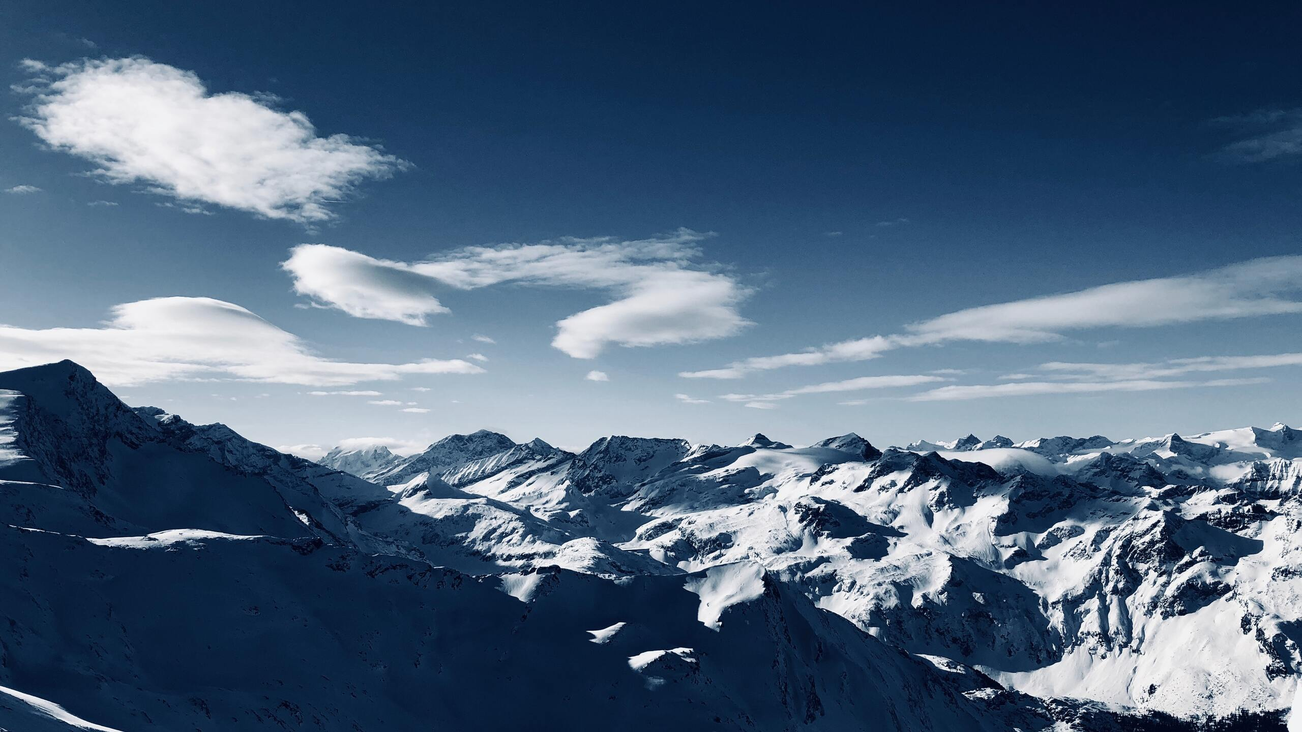 blue-sky-high-angle-mountains-clear-sky-mq.jpg