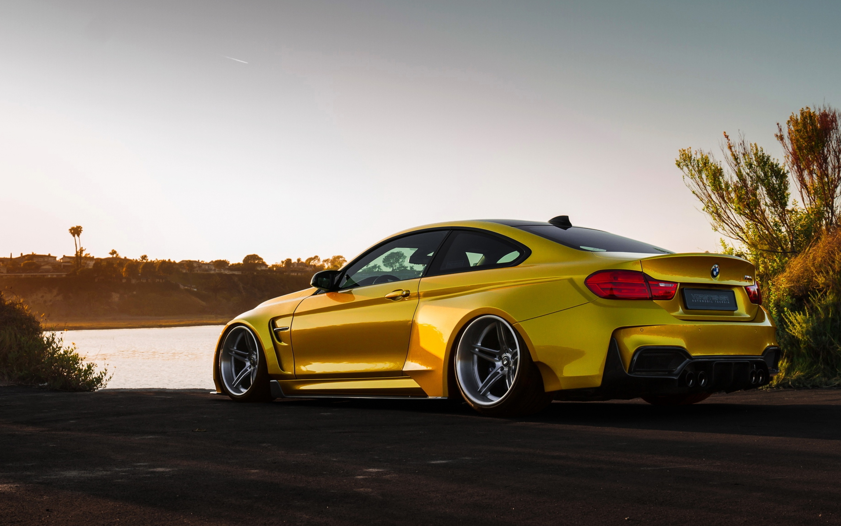 2880x1800 bmw m4 vorsteiner gold macbook pro retina hd 4k. Black Bedroom Furniture Sets. Home Design Ideas