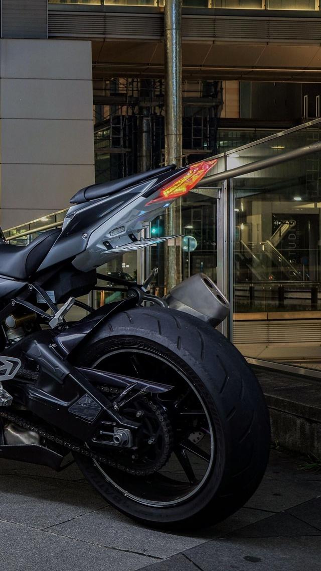 bmw-s1000rr-5k-rear-vo.jpg