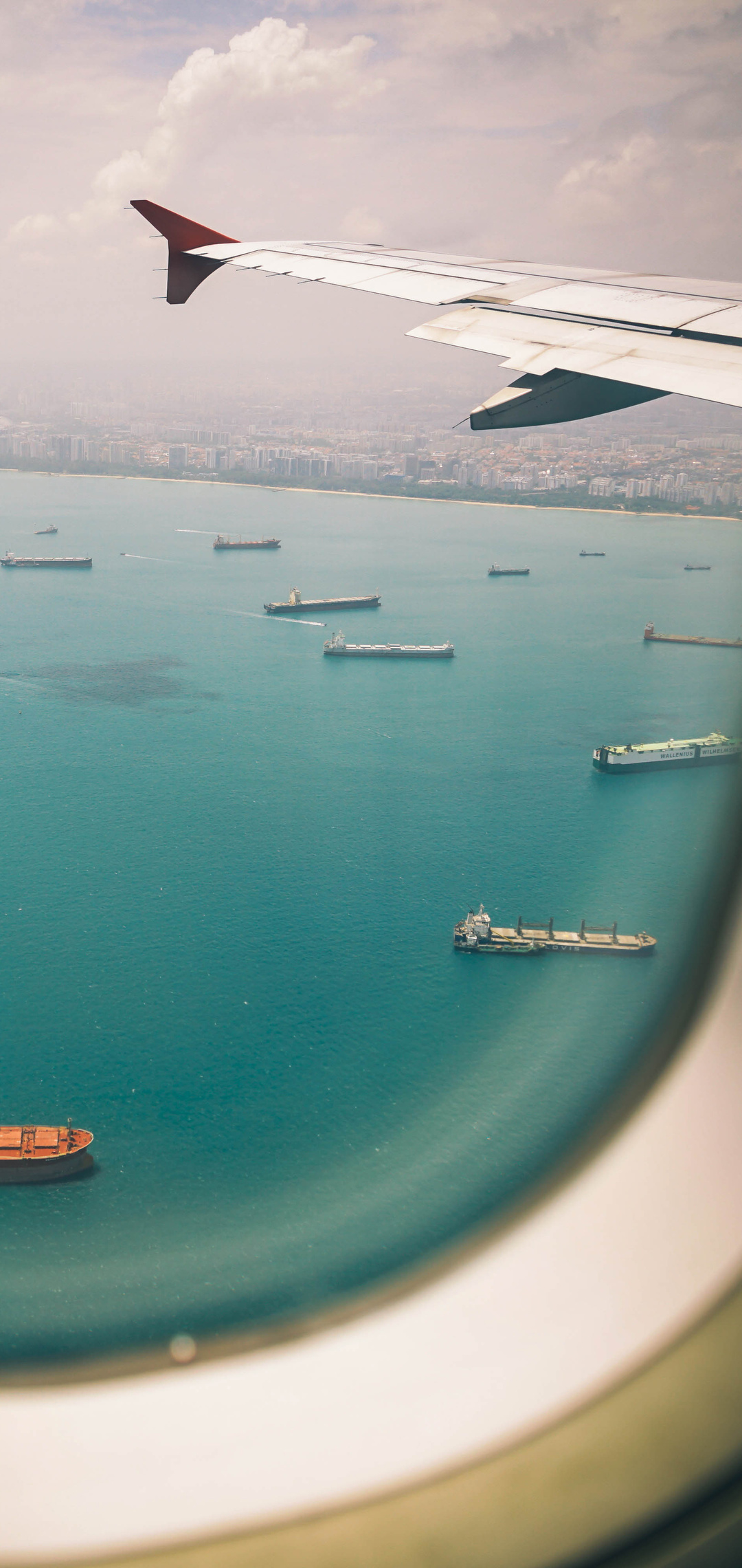 1080x2280 Boats Sea View From Airplane Window One Plus 6 Huawei P20