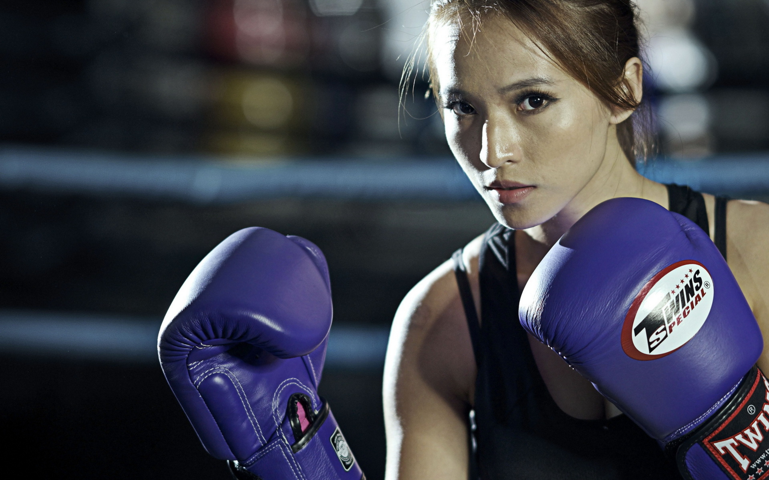 Gorgeous girls boxing — photo 9