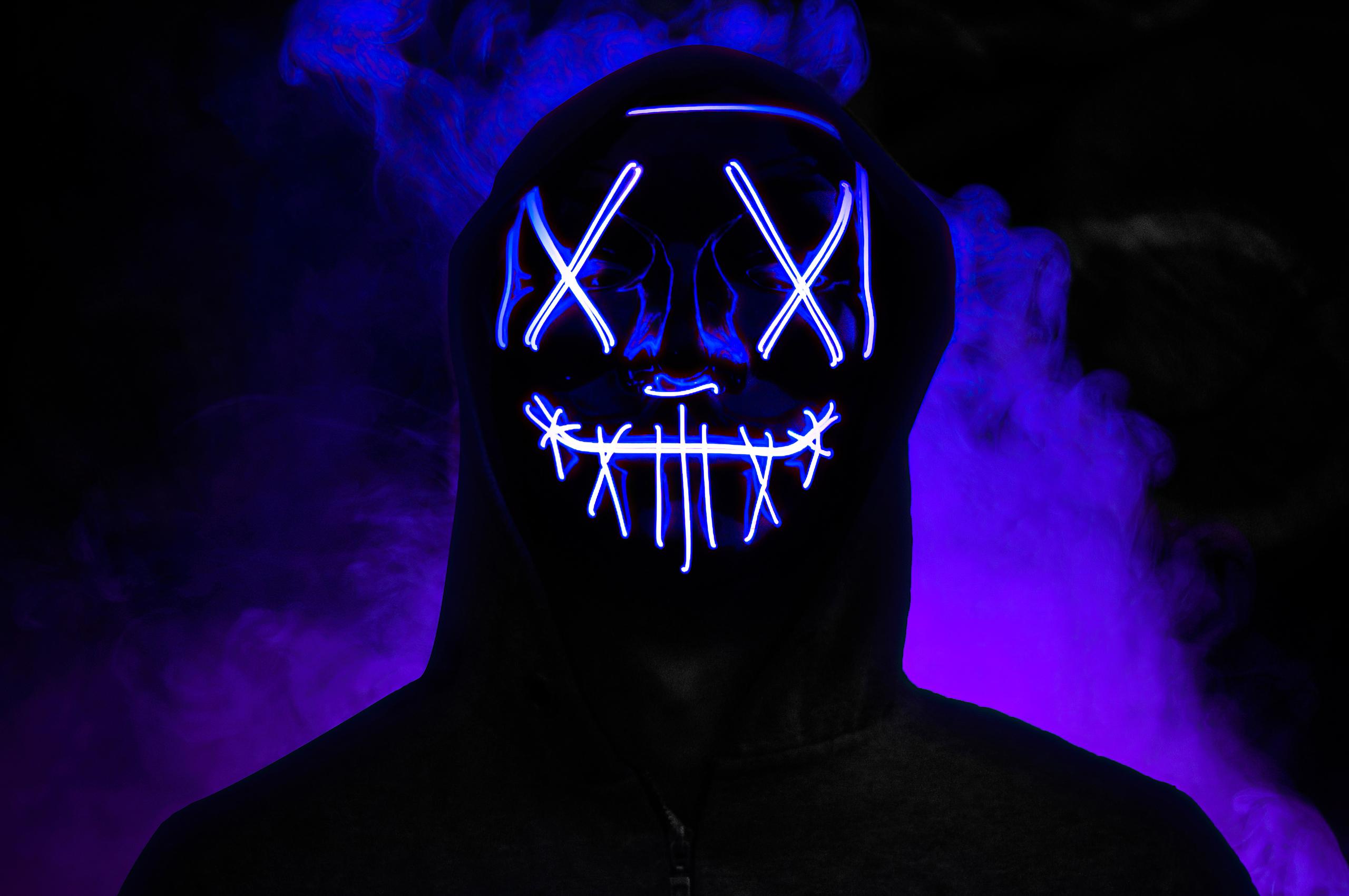 boy-neon-mask-glowing-5k-2s.jpg