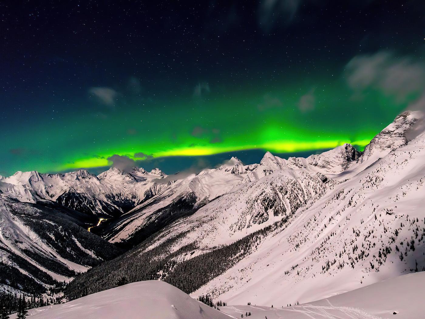 british-columbia-aurora-8k-1b.jpg