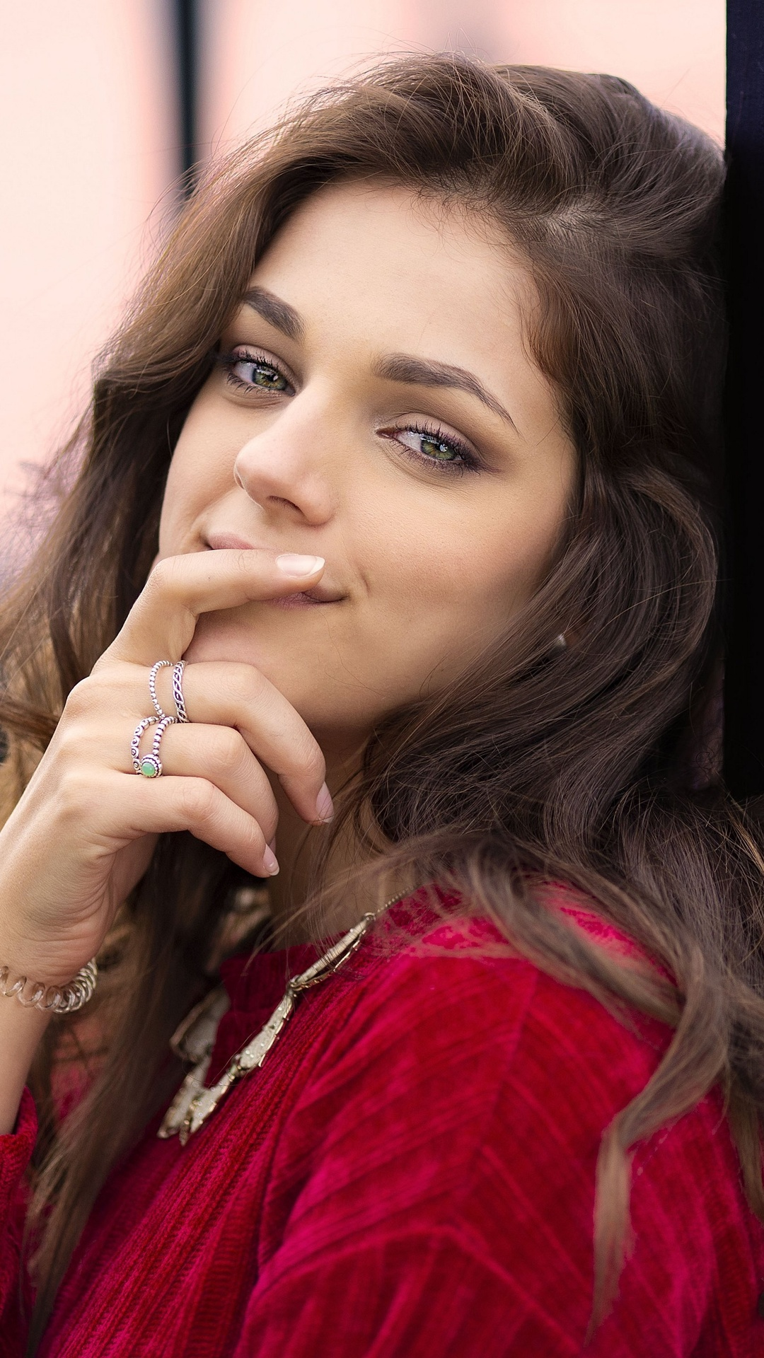 brown-hair-cute-girl-fingers-on-lips-4k-8a.jpg