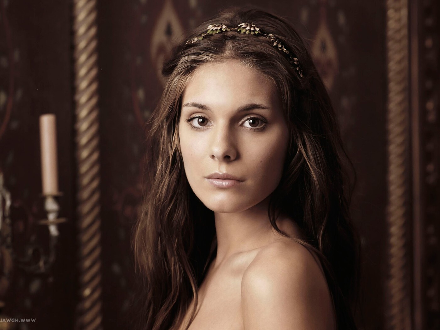 caitlin-stasey-as-kenna.jpg