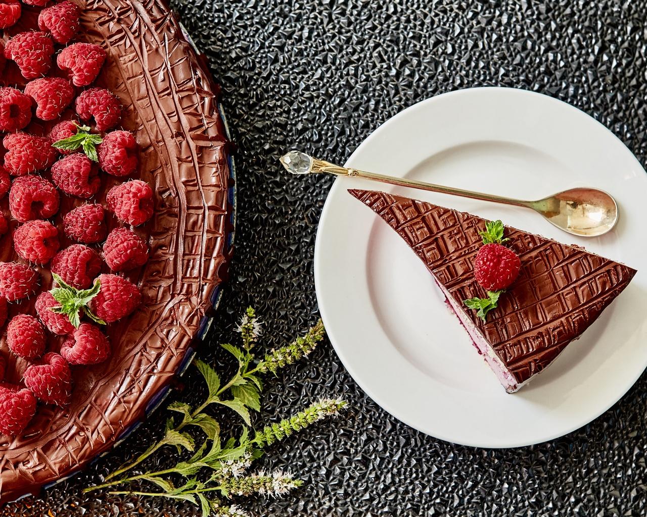 cake-fruit-pastry-raspberry-kj.jpg