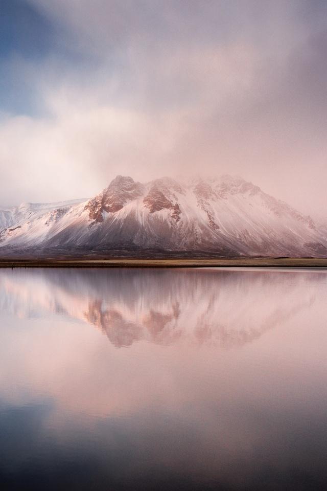 calm-lake-mountains-8k-f5.jpg