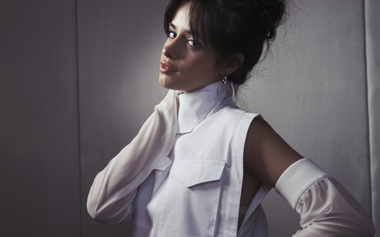 camila-cabello-portrait-photoshoot-2018-4k-6r.jpg