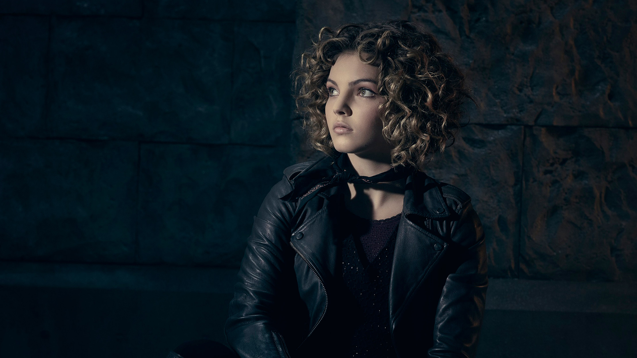camren-bicondova-gotham-season-3-to.jpg