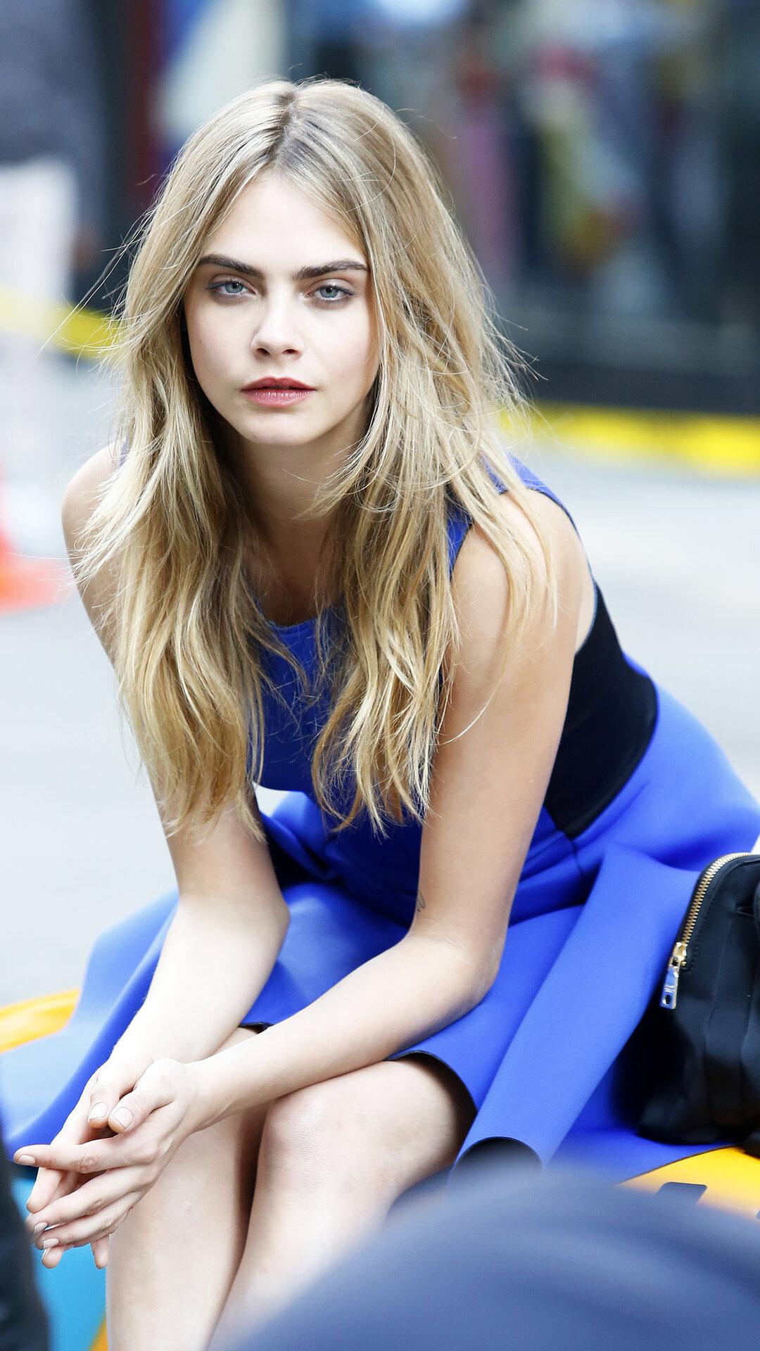 Cara Delevingne Blue Dress Qu