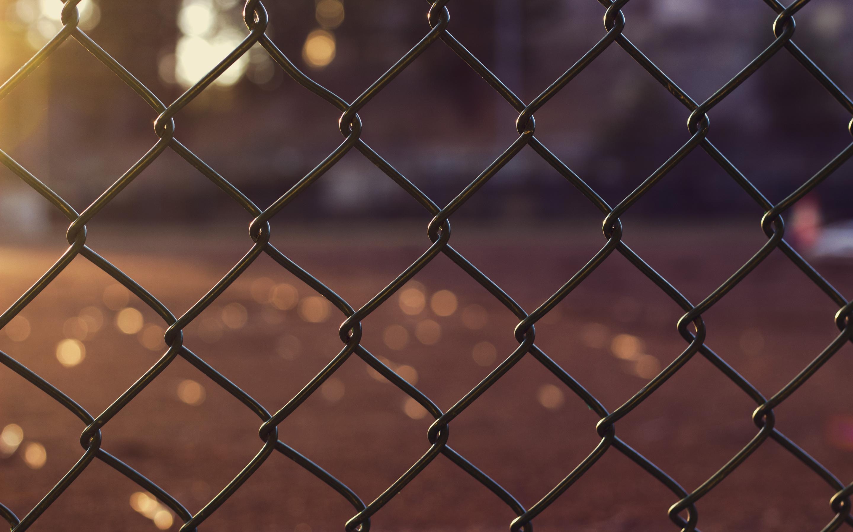 chain-fence-outdoors-5k-ih.jpg