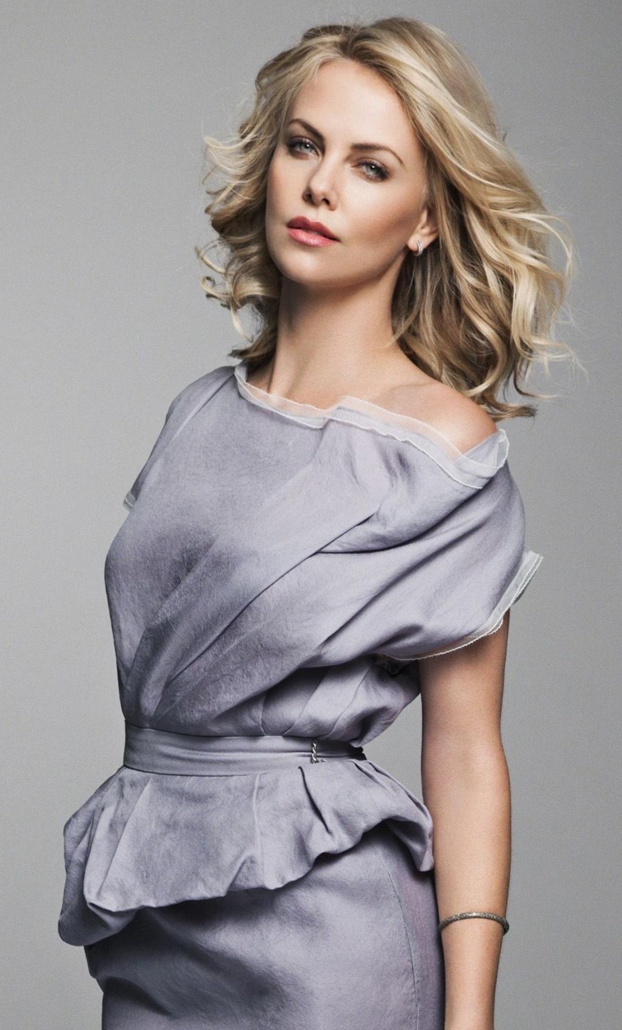 Charlize Theron 2018 Sn
