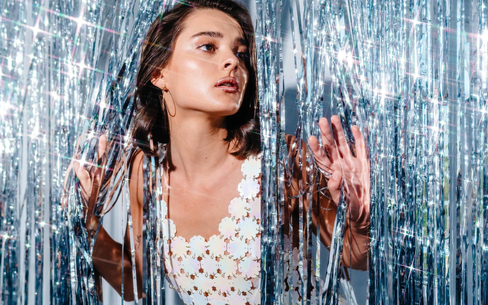 charlotte-lawrence-derrick-freske-for-euphoria-magazine-photoshoot-4k-y8.jpg