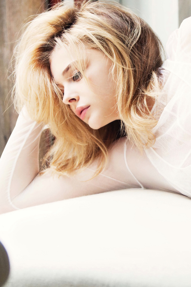chloe-grace-marie-claire-photoshoot-4k-mv.jpg