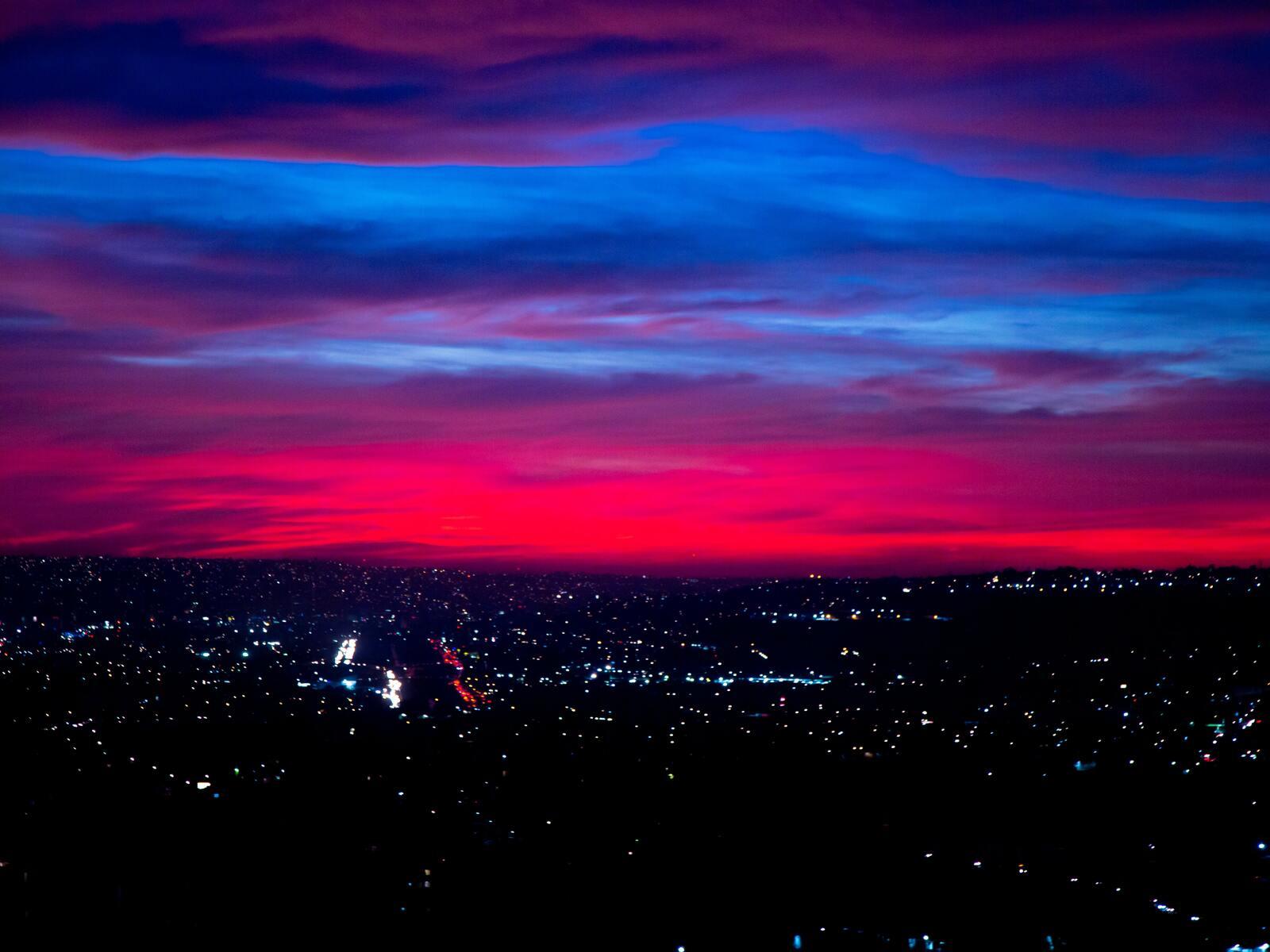 city-red-5k-1o.jpg