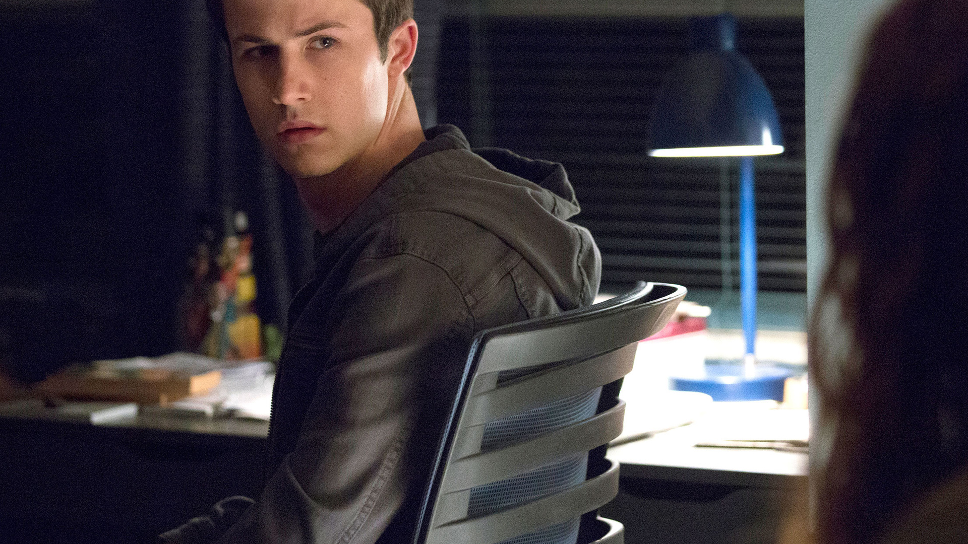 clay-jensen-13-reasons-why-season-2-9e.jpg