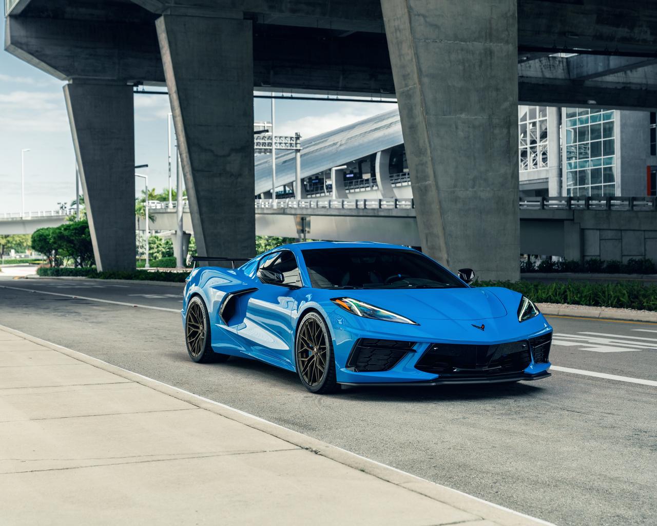 corvette-c8-ag-mc-sick-blue-8k-q1.jpg