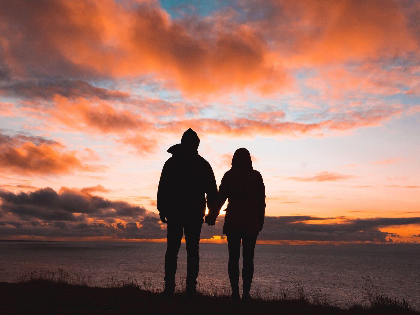 couple-holding-hands-hw.jpg
