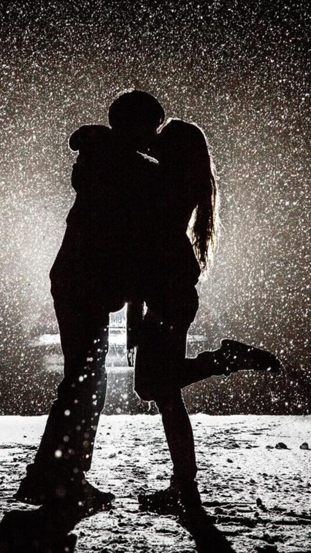 couple-kissing-in-snow.jpg