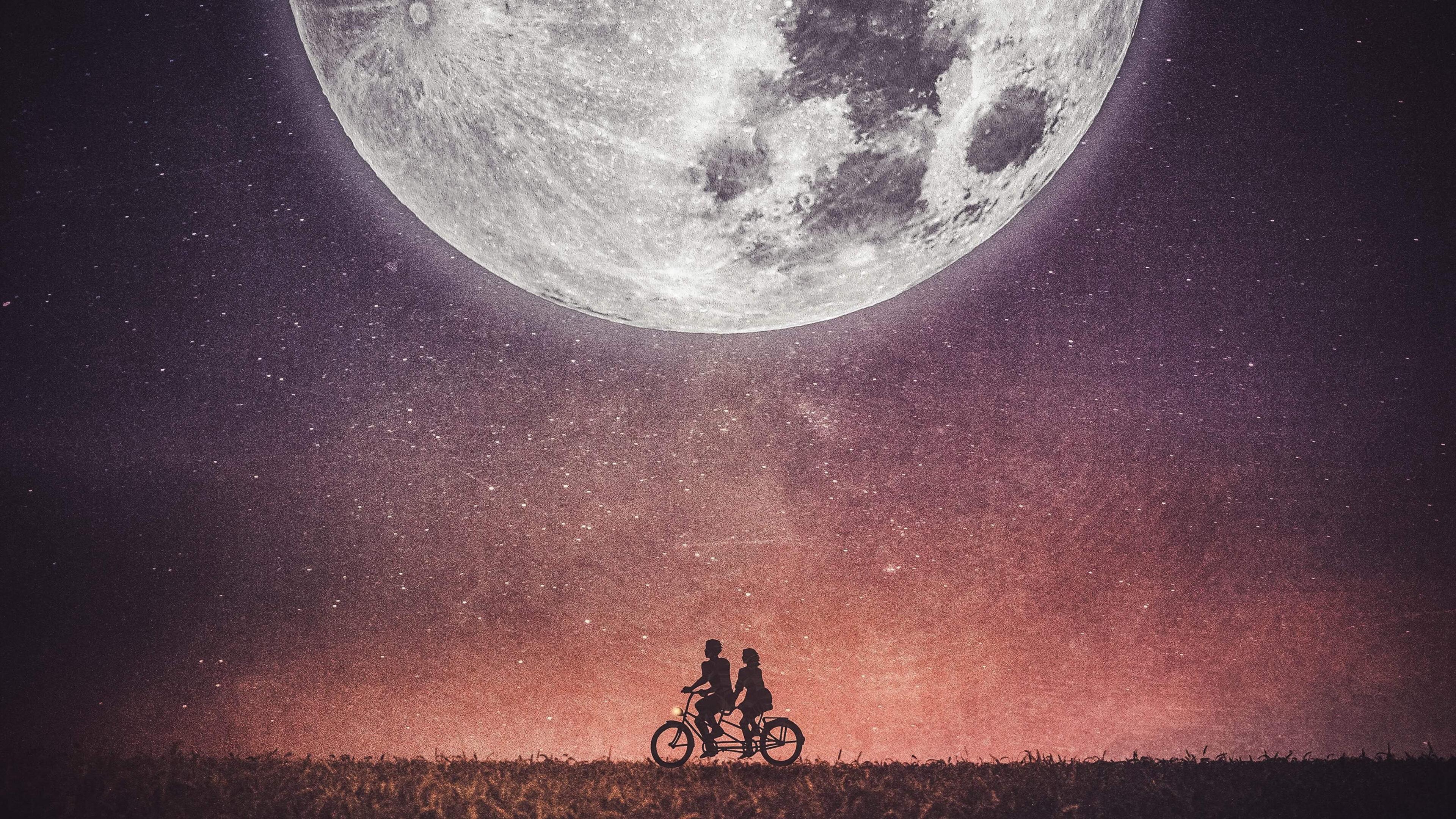 couple-on-cycle-ao.jpg