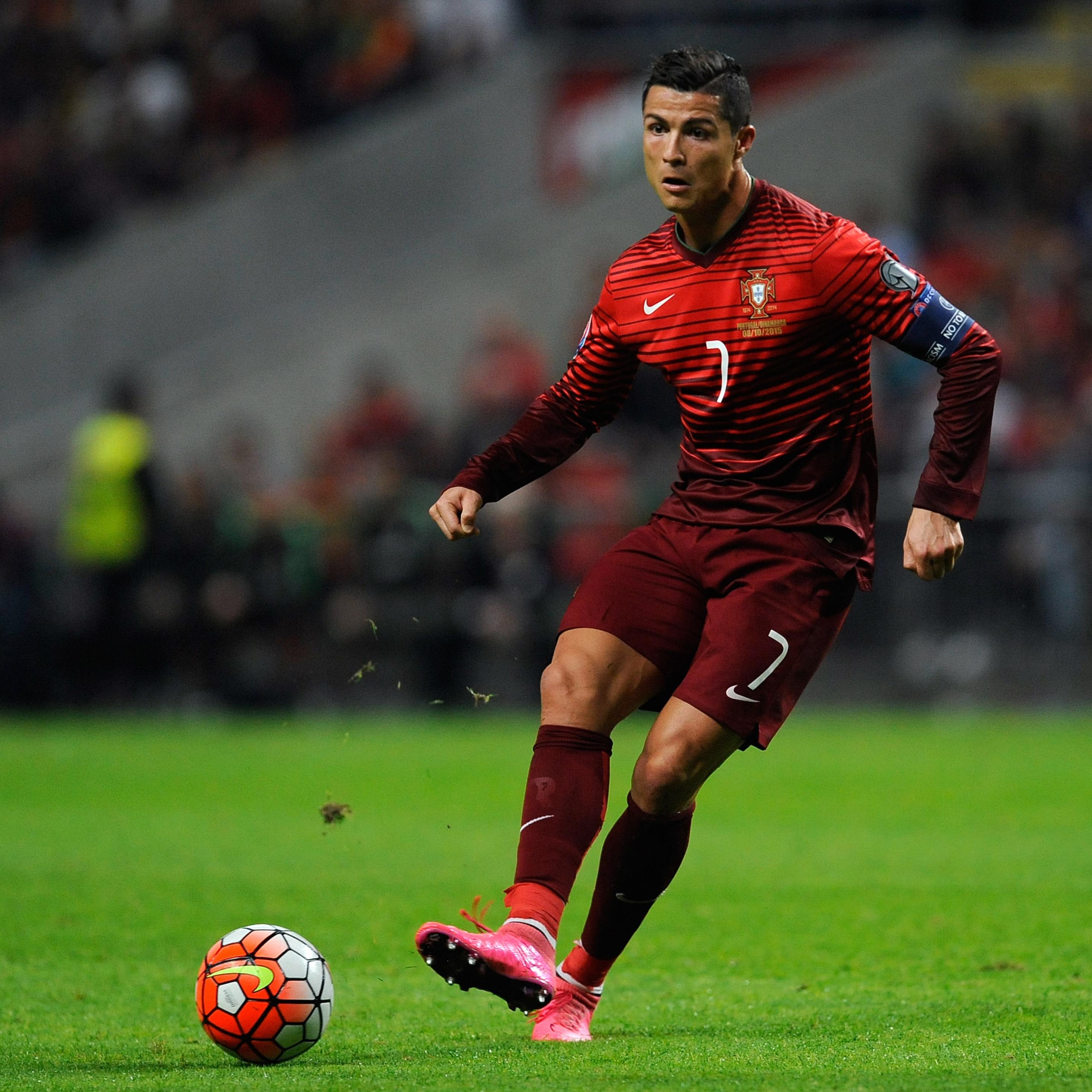 Cristiano Ronaldo Wallpaper: 2932x2932 Cristiano Ronaldo Ipad Pro Retina Display HD 4k
