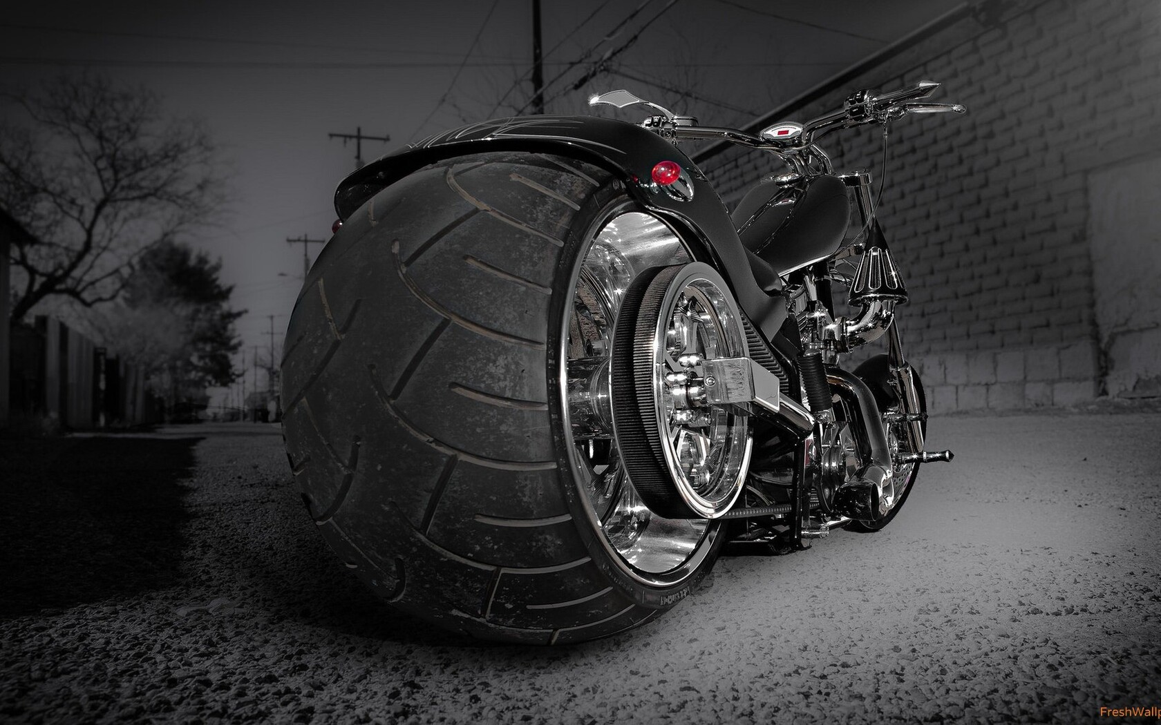 custom-chooper-wide-tyre.jpg