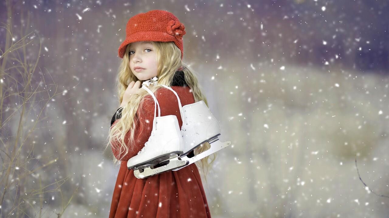 cute-girl-ice-skates.jpg
