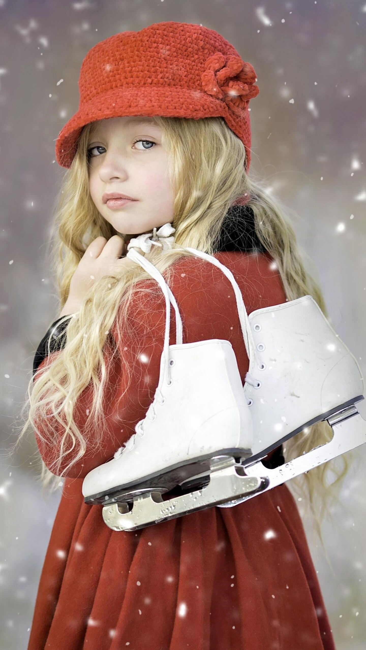 cute-girl-ice-skates.jpg