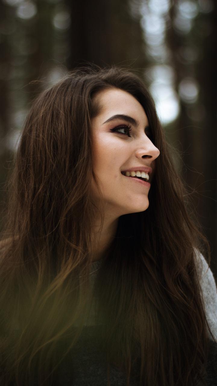 cute-girl-smiling-portrait-av.jpg