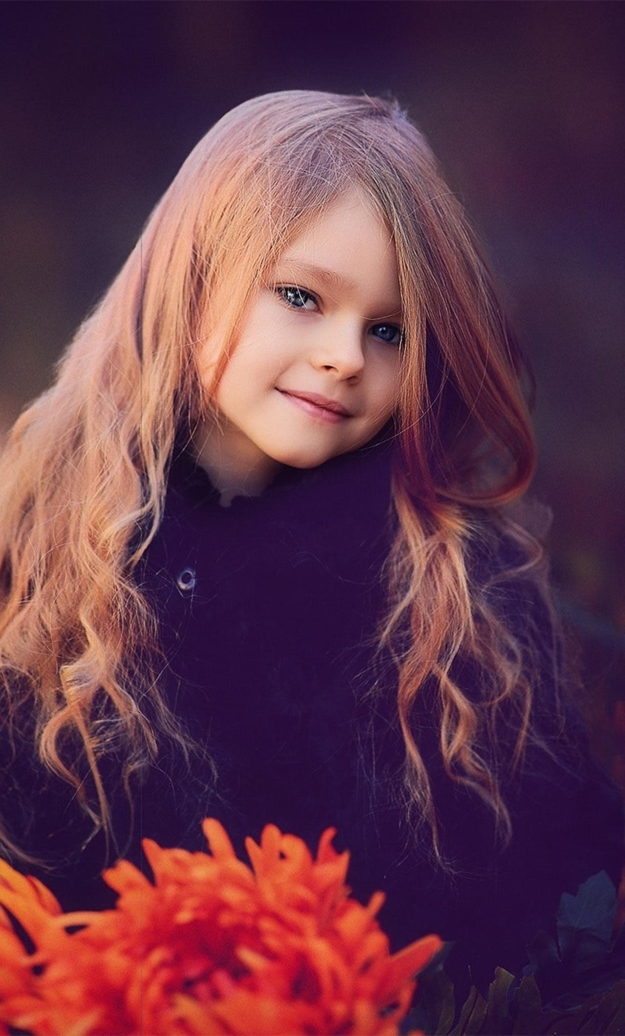 cute-little-girl-with-flowers-ez.jpg