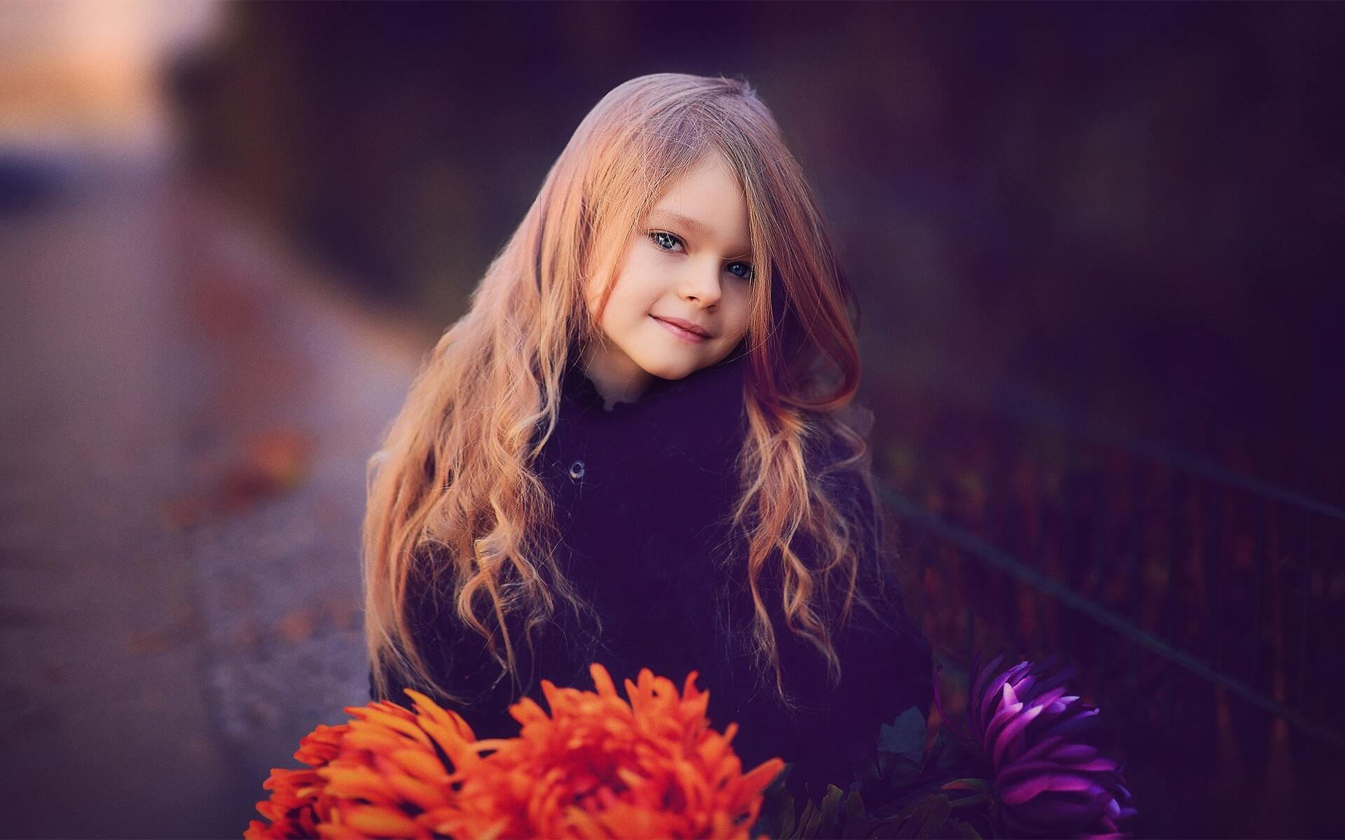 cute-little-girl-with-flowers-ez.jpg