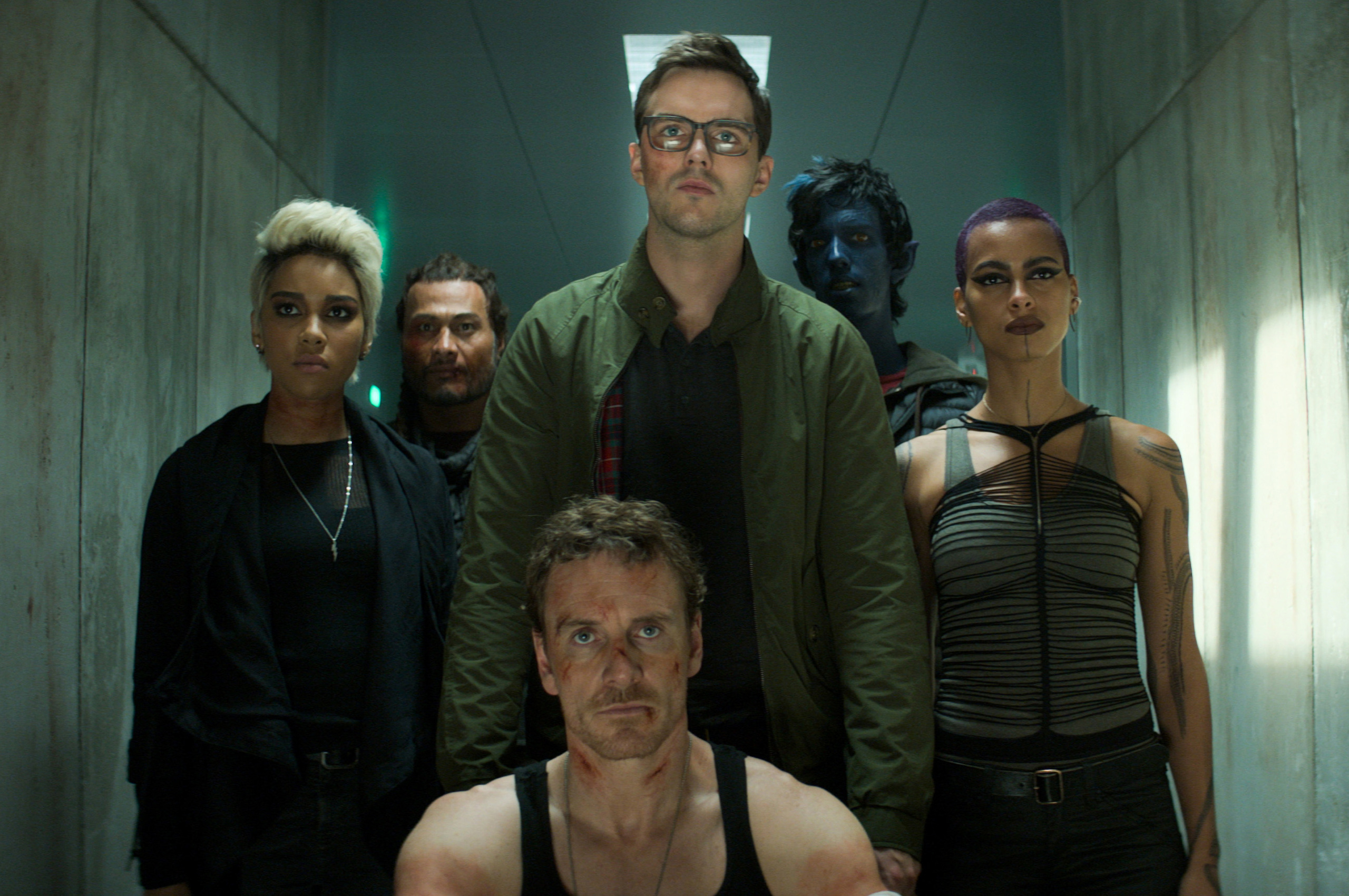 dark-phoenix-magneto-team-2v.jpg