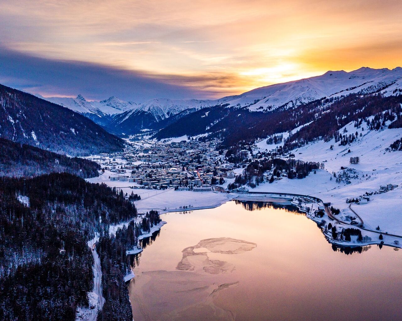 davos-switzerland-4k-0t.jpg